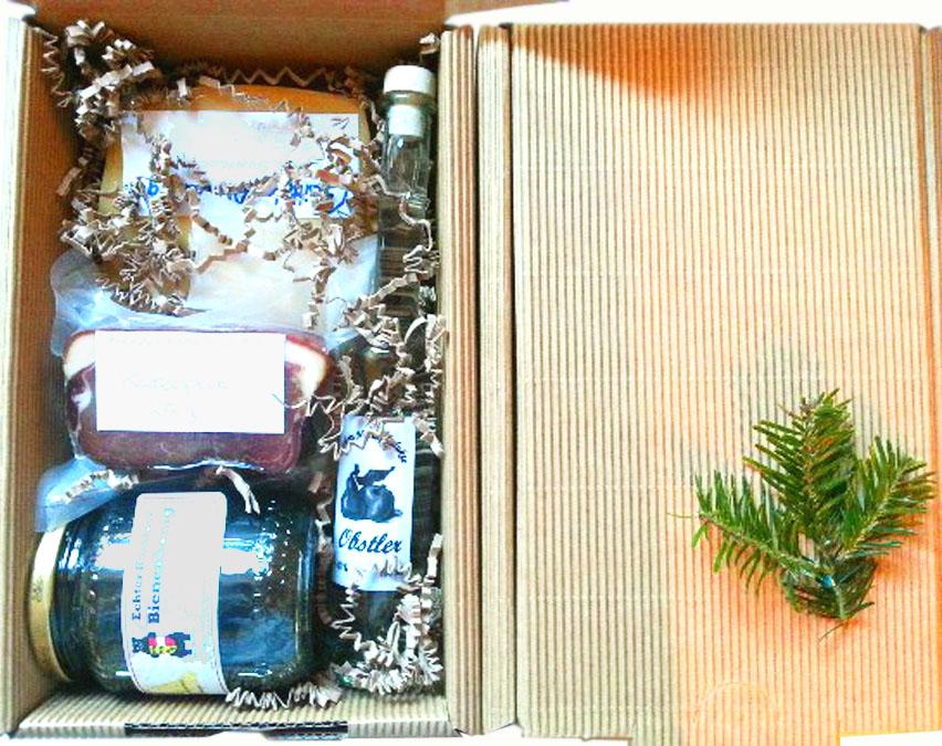 Geschenkbox mit Alm- und Hofprodukten